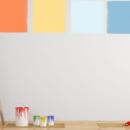 preparare il colore per imbiancare una parete